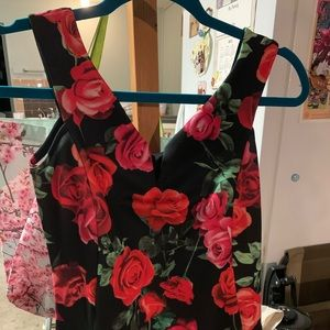 BNWT Gorgeous🌹Rose Scuba Dress